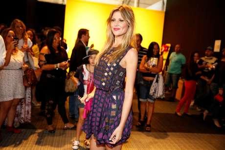 A modelo e apresentadora Ellen Jabour posa para fotos no Fashion Rio