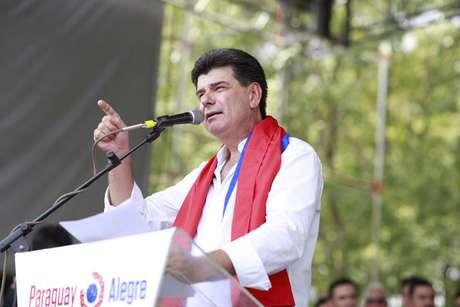 <p>Efrain Alegre, candidato do Partido Liberal, já aparece como líder em algumas pesquisas</p>