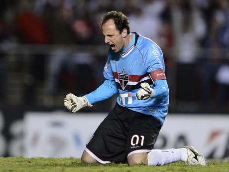 <p>Ceni atuou com dores contra o Atlético-MG</p>