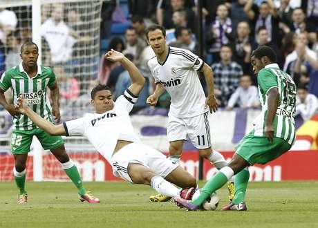 <p>Casemiro estreou peloReal Madrid na vitória sobre o Real Betis</p>