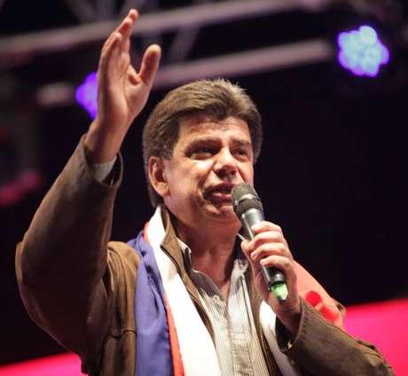 <p>O senador e ex-ministro de Obras Públicas de Lugo, Efrain Alegre, é o candidato do Partido Liberal à presidência</p>