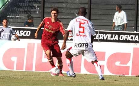 <p>Fluminense e Bangu jogaram para pouco público; no fim, vitória tricolor por 2 a 0</p>