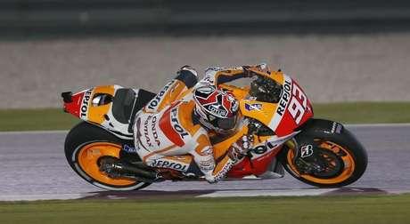 El piloto debutante Marc Márquez rebasó a su compañero de equipo en Repsol Honda Dani Pedrosa para ganar el domingo el Gran Premio de las Américas disputado en Austin, EEUU, y convertirse en el piloto más joven que gana un gran premio en MotoGP. En la imagen de archivo, Márquez durante el Gran Premio de Qatar en Doha, el 7 de abril de 2013.