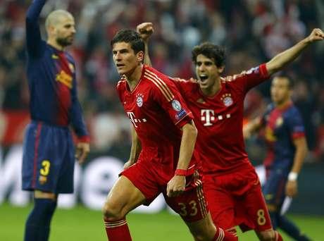 <p>Mario Gomez fez o segundo gol do Bayern em posição duvidosa</p>