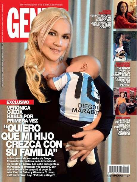 Ex de Maradona exibiu seu filho com o astro argentino