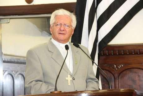 <p>O bispo Dom Frei Caetano Ferrari pediu&nbsp;que o padre Beto se retrate das declara&ccedil;&otilde;es</p>