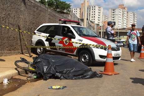 O ciclista morreu após ser atropelado na avenida Juntas Provisórias
