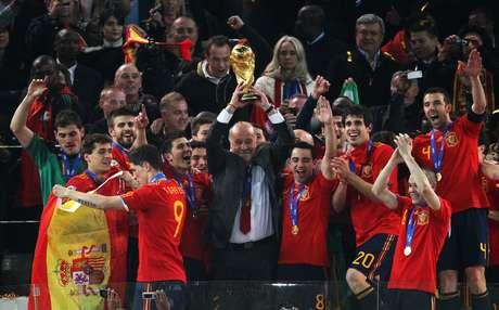 <p>Vicente del Bosque llevó a España a ganarla Copa Mundial enSudáfrica 2010.</p><p></p>