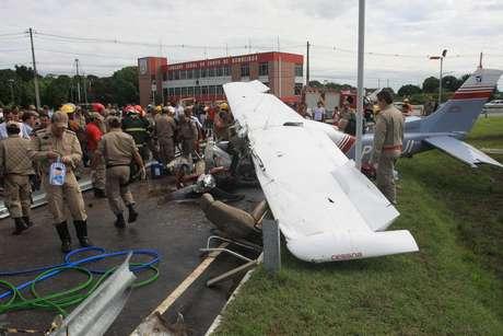 <p>Piloto domonomotor modelo Cessna 2010, que se acidentou há uma semana em Belém, morreu na madrugada desta sexta-feira</p><div></div>