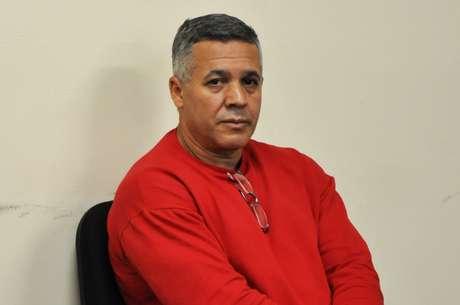 <p>O quinto dia de julgamento do ex-policial Marcos Aparecido dos Santos, o Bola, no Fórum de Contagem, foi reservado para a leitura de peças do processo</p>