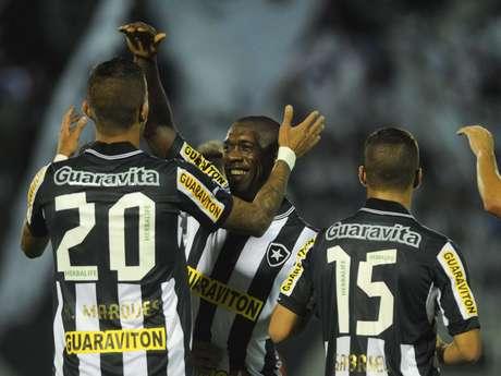 <p>Ap&oacute;s vit&oacute;ria do Botafogo, Seedorf saiu sem dar entrevistas</p>