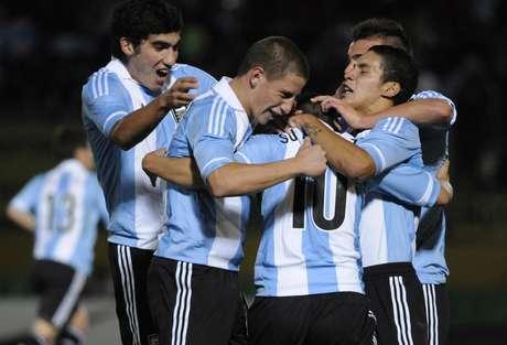 Argentina sofreu empate no fim, mas mesmo assim comemorou o título em casa