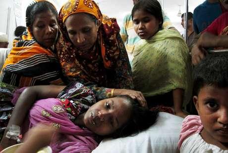 <p>No hospital, Merina lembra o momento do desabamento ao lado das irmãs e da mãe</p>