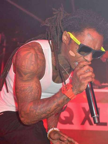 """Lil Wayne escribió en su cuenta de Twitter un mensaje a sus seguidores: """"estoy bien gracias""""."""