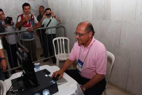 Governador Geraldo Alckmin vota na convenção do PSDB, que irá escolher o novo presidente estadual tucano em São Paulo para os próximos dois anos