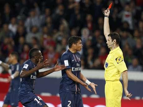 Thiago Silva foi expulso ao se desentender com o árbitro