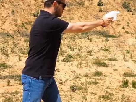 Vídeo publicado no YouTube mostra a arma de plástico em ação