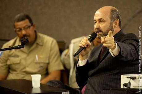 <p>Augusto César Cavalcante Farias, irmão de PC Farias, presta depoimento</p>