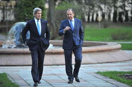 O secretário de Estado americano, John Kerry, se encontrou com o ministro das Relações Exteriores russo, Sergei Lavrov