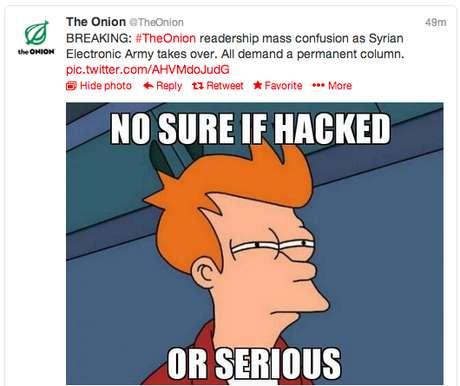Imagem mostra tuíte feito pela conta do The Onion em que os hackers brincam com a situação