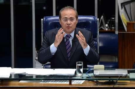 Presidente do Senado negocia a aprovação de uma Proposta de Emenda à Constituição que altera o rito de apreciação das medidas provisórias