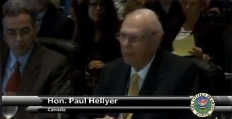 <p>O canadense Paul Hellyer se define como o primeiro político influente dos países desenvolvidos a atestar a existência de óvnis</p>