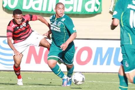 Atlético-GO e Goiás ficaram no 0 a 0 neste domingo