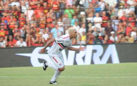 <p>Caça-Rato fez gol e foi expulso no 1º tempo</p>
