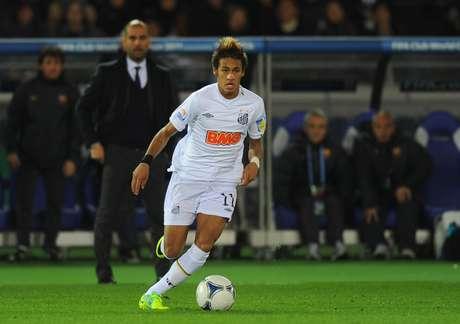 <p>Proposta do Barcelona para contratar Neymar ficou abaixo do esperado pelo Santos</p>