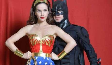 Adrián Suar y Natalia Oreiro, disfrazados de superhéroes.
