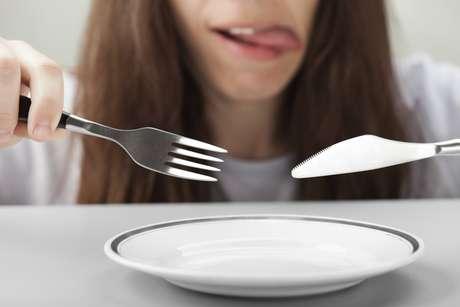 <p>Especialistas são contra a novidade, uma vez que um dos princípios da educação alimentar é a ingestão equilibrada de três em três horas</p>