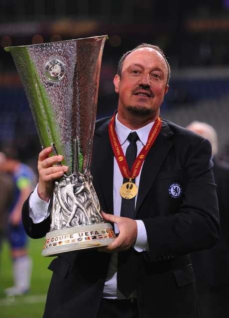 Benítez foi contratado com a pecha de interino, mas levou o Chelsea ao título da Liga Europa