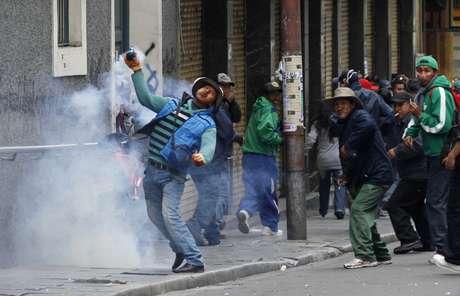 <p>Protestos convocados pela Central Operária Boliviana (COB) levam milhares às ruas</p>