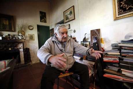 <p>Mujica mora em um sítioa dez quilômetros de Montevidéu, em uma área rural na qual só se escuta o canto das aves</p>
