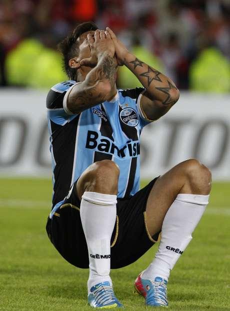 <p>Vargas lamenta erro em lance decisivo do jogo contra o Santa Fe</p>
