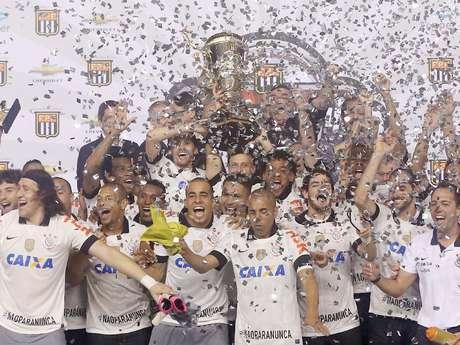 <p>Corinthians se sagrou campeão estadual na mesma semana em que deu adeus à Copa Libertadores</p>