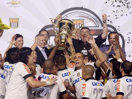 <p>Corinthians superou o Santos nas finais e conquistou o Campeonato Paulista</p>