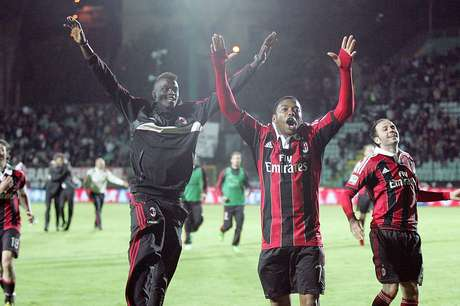 <p>Milan sofreu, mas ficou com a vaga na Champions</p>