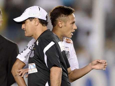<p>Muricy tem a missão de comandar equipe sem Neymar</p>