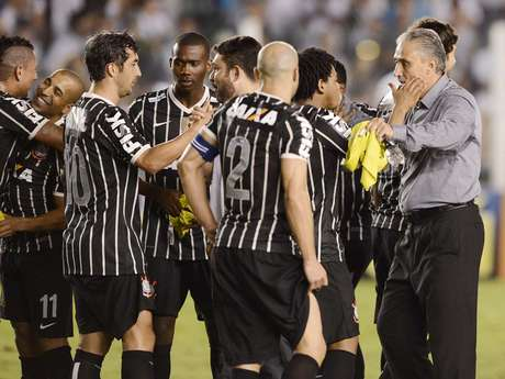 <p>Técnico conquistou título que lhe faltava à frente do Corinthians</p>