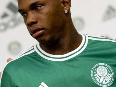 Patrick Vieira foi um dos jogadores que participou do lançamento