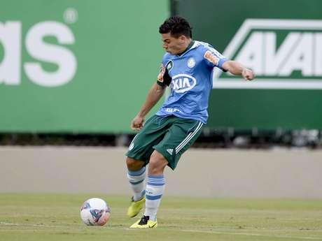 <p>Sem espaço no Palmeiras, Ayrton pode ser emprestado ao Vitória</p>