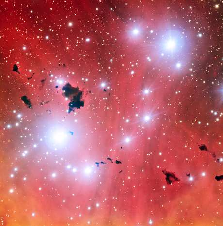 Para comemorar o aniversário do VLT, ESO divulgou imagem do berçário de estrelas IC 2944