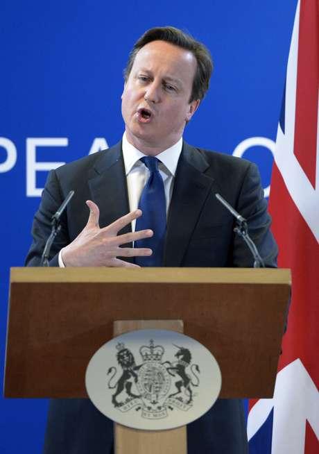 David Cameron, durante pronunciamento ao término de cúpula da União Europeia em Paris