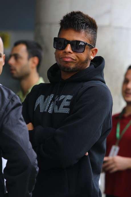 André chegou ao Rio para assinar com Vasco