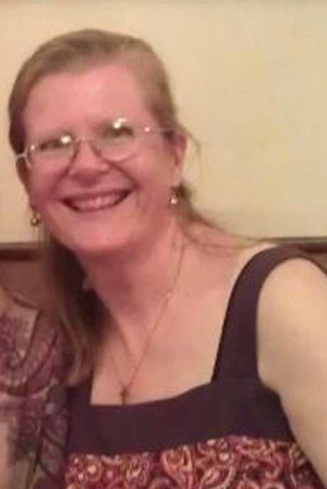 Ingrid Loyau-Kennett desceu do ônibus e passou a conversar com um dos suspeitos