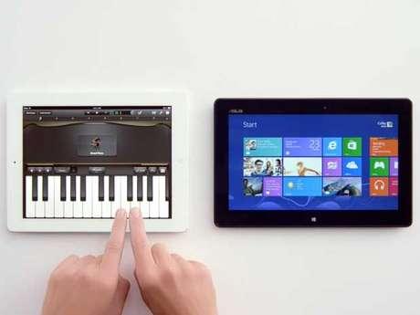Microsoft compara os dois aparelhos e faz piada com funções do iPad