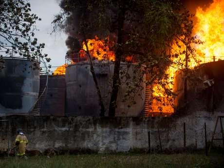 Uma pessoa morreu e sete ficaram feridas por conta do incêndio