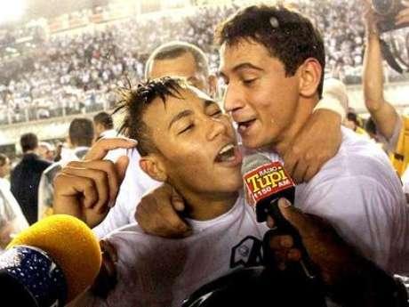 <p>Ao lado de Ganso, Neymar faturou títulos</p>
