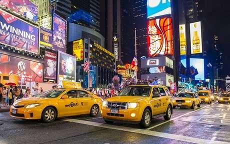 <p>Para se deslocar por Nova York, os famosos táxis amarelos são uma alternativa viável</p>